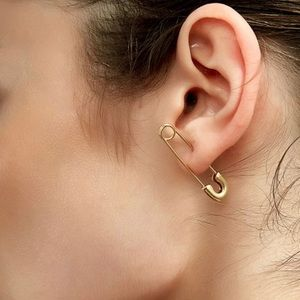 3/$30 💛 Safety Pin Earrings